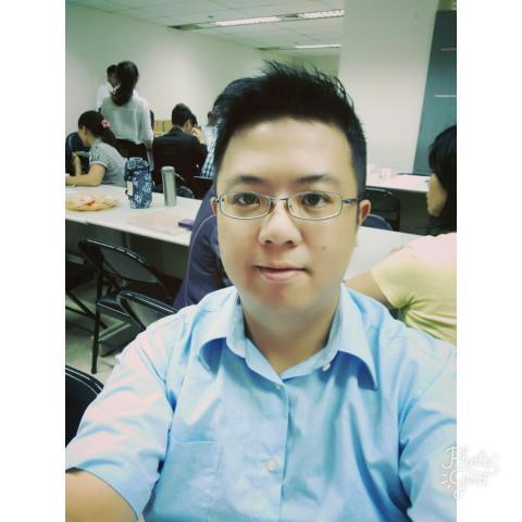 提供臉書社群服務的專家楊宏彥