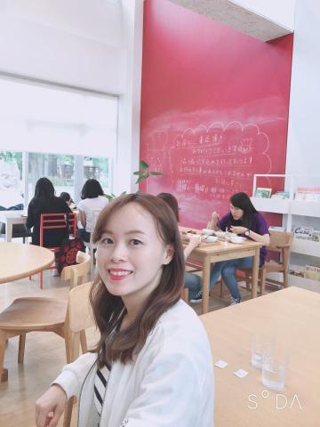 提供日語家教服務的專家李老師