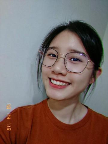 提供中文翻英文服務的專家阮詠婕