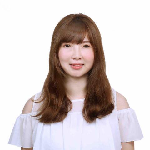 提供日文翻譯服務的專家吳小姐