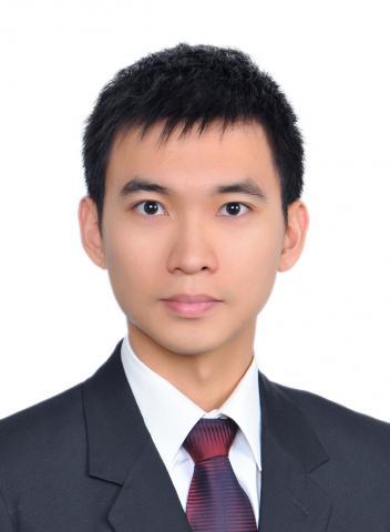 提供翻譯社服務的專家曾煜閔 家教兼翻譯員