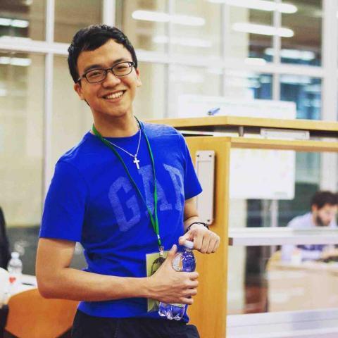 提供中英文翻譯服務的專家Frank Chen