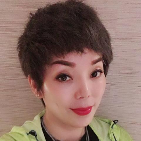 提供睫毛服務的專家林秋麗(Dana lin)美睫講師