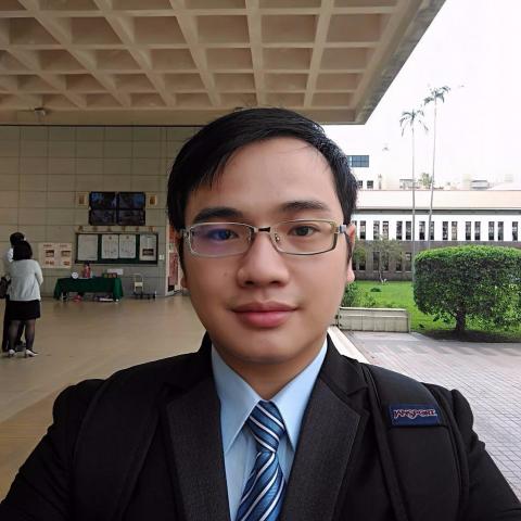 提供word文件翻譯服務的專家李尚豪